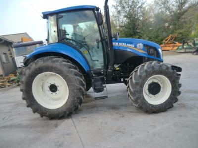 New Holland T5 95 in vendita da Comm. Adriatica