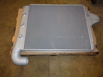 Radiatore intercooler per New Holland E 485 in vendita da PRV Ricambi Srl