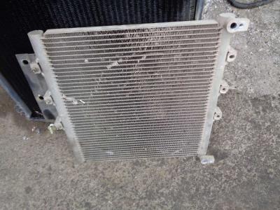Radiatore aria condizionata per New Holland Kobelco E 80 in vendita da PRV Ricambi Srl