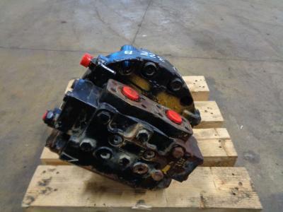 Motore di traino per Caterpillar 322 B in vendita da PRV Ricambi Srl