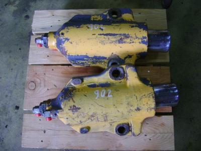 Pistone / Cilindro idraulico per Liebherr 902 in vendita da PRV Ricambi Srl
