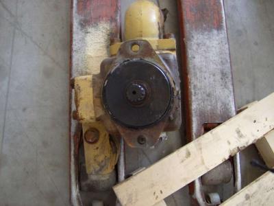Pompa idraulica per Caterpillar 826C in vendita da CERVETTI TRACTOR Srl