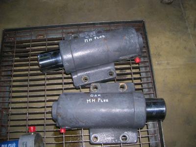 Pistone / Cilindro idraulico per O&K Gommato in vendita da PRV Ricambi Srl