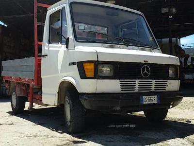 Mercedes-Benz 307 D in vendita da Marconi & Figli M.M.T. Srl