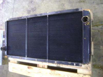 Liebherr 942 in vendita da PRV Ricambi Srl