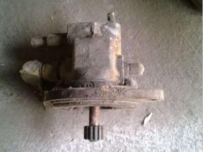 Pompa idraulica per Caterpillar 963 in vendita da CERVETTI TRACTOR Srl