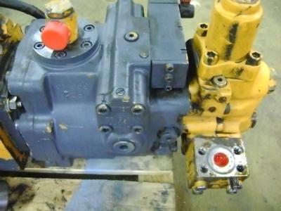 Motore idraulico per Liebherr 902 in vendita da PRV Ricambi Srl
