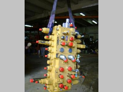 Distributore per Caterpillar 312 in vendita da PRV Ricambi Srl