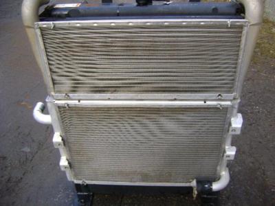 Radiatore olio per Caterpillar 315C in vendita da PRV Ricambi Srl