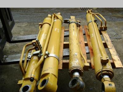 Pistone / Cilindro idraulico per Caterpillar 312 in vendita da PRV Ricambi Srl