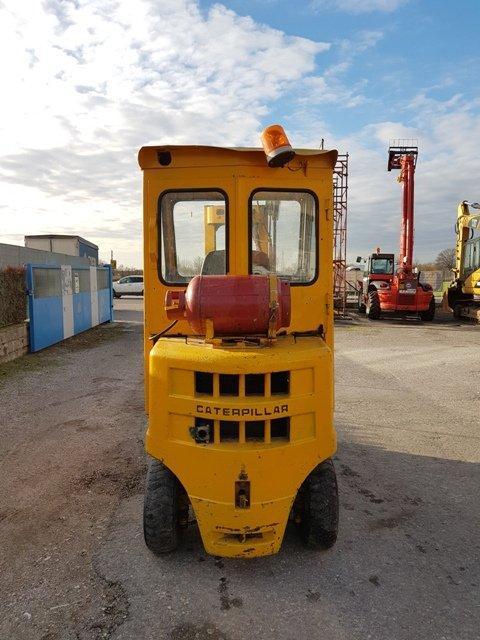 Caterpillar V30-LPG- GAS Foto 4