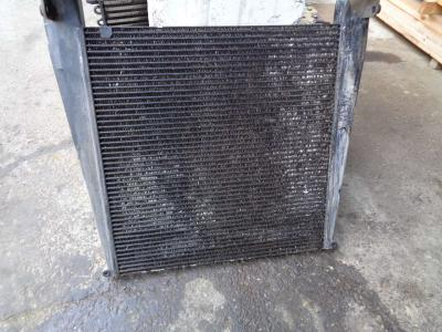 Radiatore intercooler per New Holland W 270 B in vendita da PRV Ricambi Srl