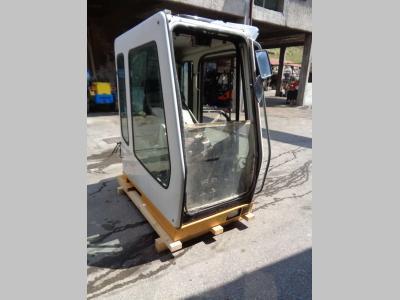 Cabina per Liebherr Serie 900 B in vendita da PRV Ricambi Srl