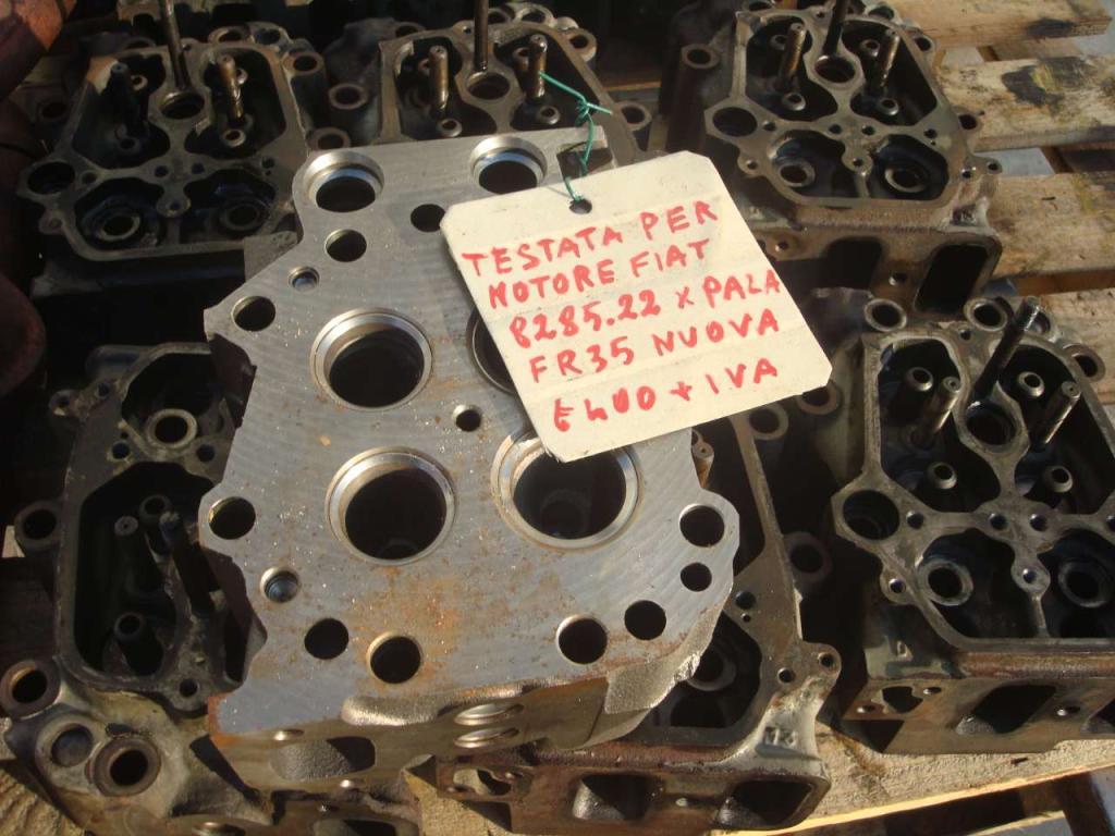 Testata motore per Fiat 8285.22 Foto 1