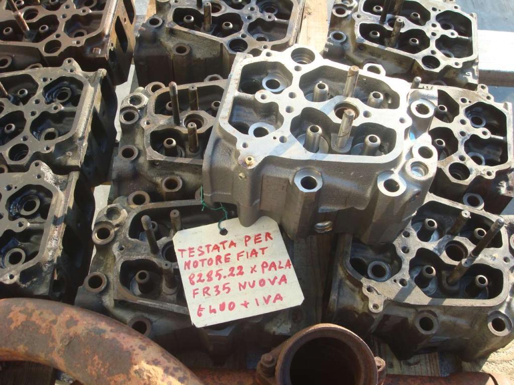 Testata motore per Fiat 8285.22 Foto 2