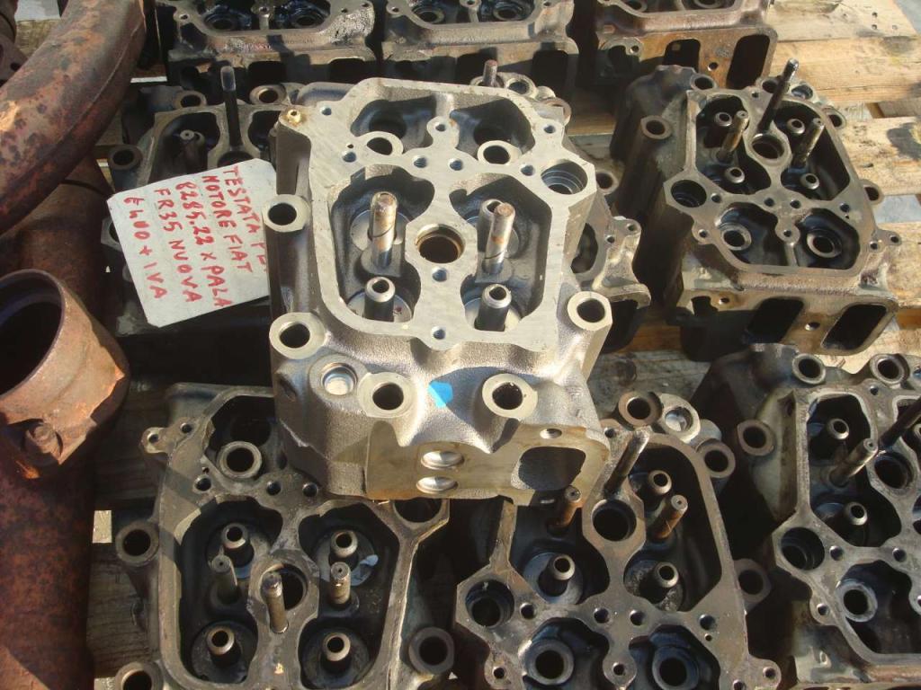 Testata motore per Fiat 8285.22 Foto 3