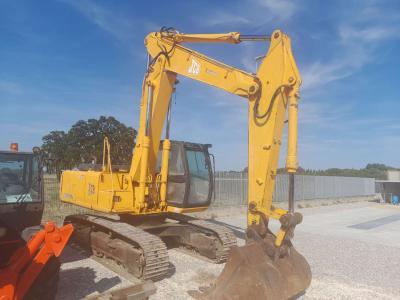 JCB JS 220 in vendita da Piolanti srl
