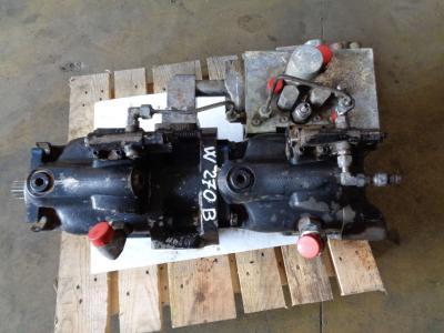 Pompa idraulica per New Holland W 270 B in vendita da PRV Ricambi Srl