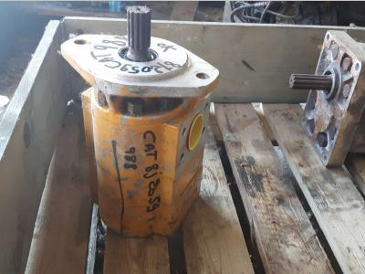 Pompa idraulica per Caterpillar 988 in vendita da CERVETTI TRACTOR Srl