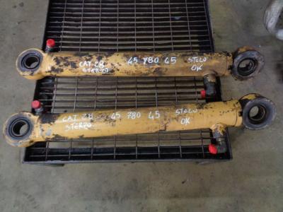 Pistone / Cilindro idraulico per Caterpillar 928 F in vendita da PRV Ricambi Srl