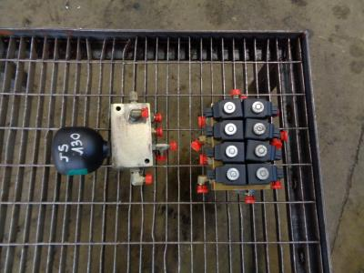 Elettrovalvola per JCB JS 130 in vendita da PRV Ricambi Srl