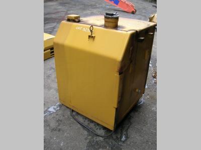 Serbatoio gasolio (ricambio) per Caterpillar 325 D in vendita da PRV Ricambi Srl
