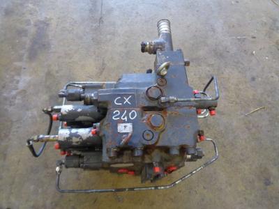Distributore per Case Cx 240 in vendita da PRV Ricambi Srl