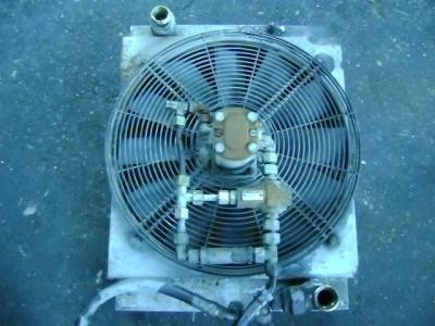Radiatore olio per O&K (Orenstein & Koppel) RH6 in vendita da PRV Ricambi Srl